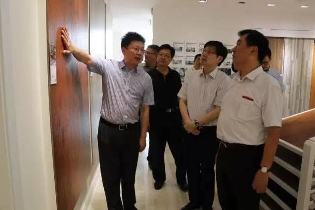 江苏省工商局杨卫东副局长来bwin体育手机版集团调研考察